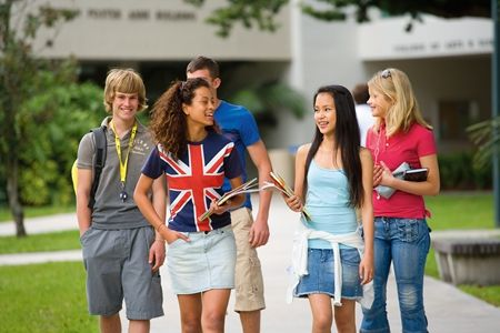 中国大学生英、美文化交流营